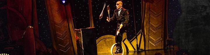 Malabarista en monociclo, gala juggling show  - 441malabares.com
